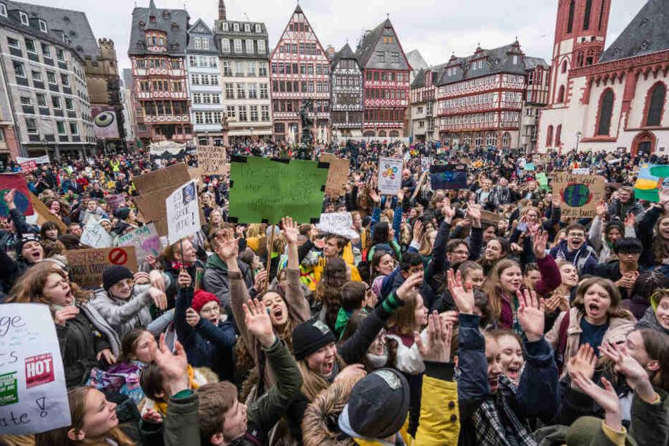 Bundesweit gingen 300.000 Demonstranten auf die Straßen.