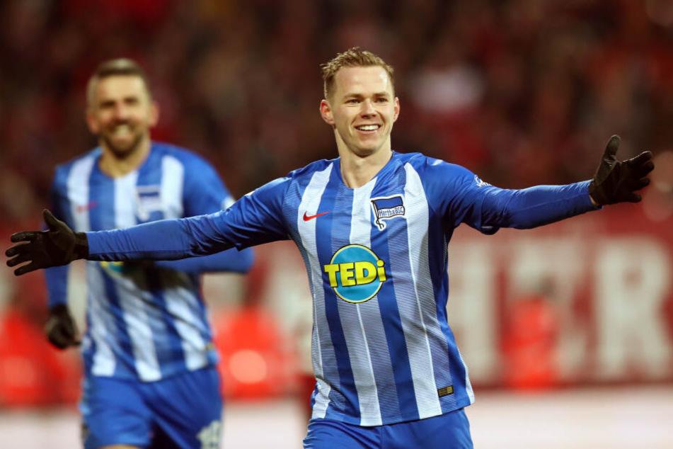 Ondrej Duda (r.) feierte im Auswärtsspiel beim 1. FC Nürnberg seine Saisontore acht und neun. Auch Vedad Ibisevic (l.) traf für die Hertha.
