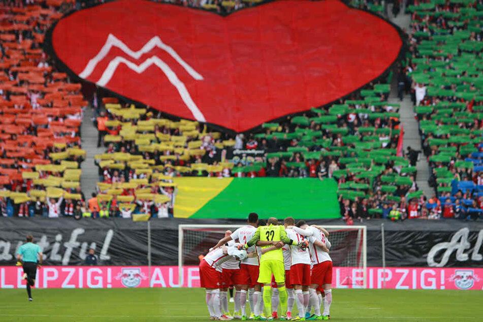 Die Fans lieben ihren jungen Verein. Die Stadt Leipzig und die gesamte Region profitiert vom RB-Leipzig-Hype.