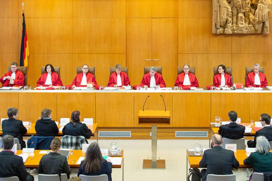 Die Richter in Karlsruhe bestätigten das Urteil wegen Volksverhetzung durch das Landgericht München II. (Symbolbild)