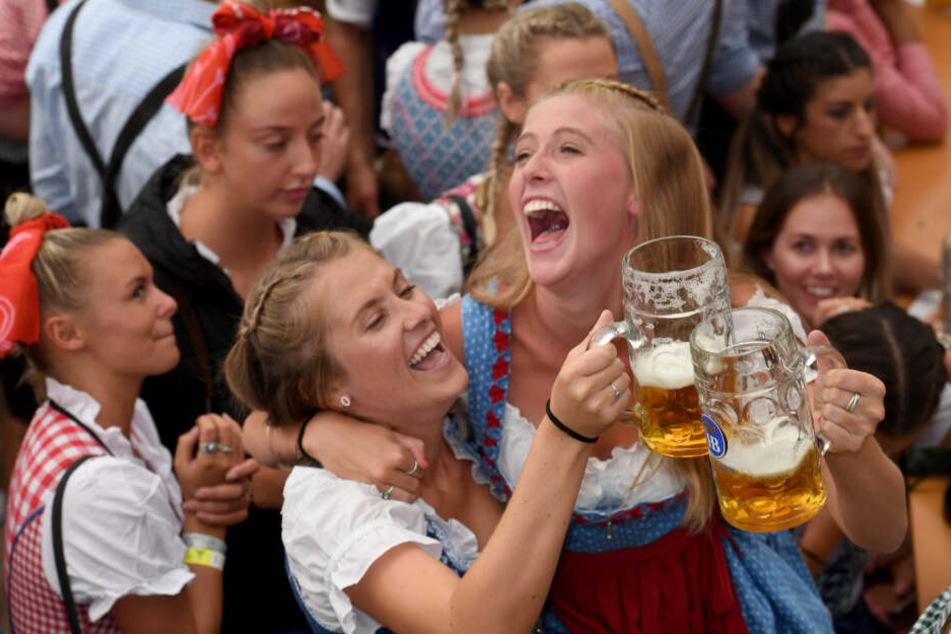 """""""German beer is strong"""": So warnt die USA vor dem Oktoberfest"""