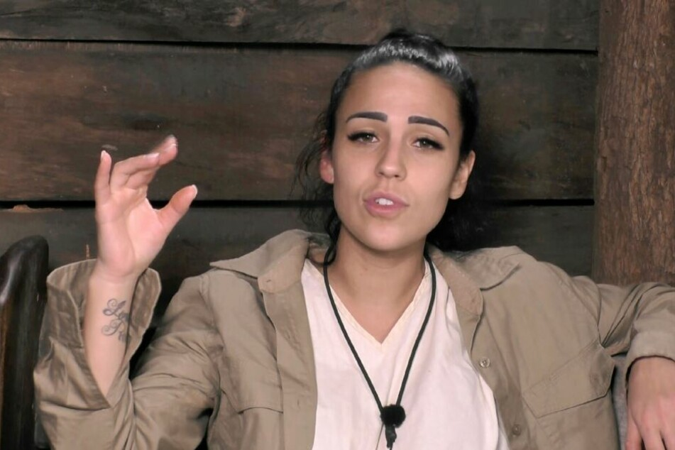 """Reality-Sternchen Elena Miras """"wird allen noch ziemlich auf den Sack gehen"""", ist sich Ex-Dschungelkönigin Melanie Müller sicher."""