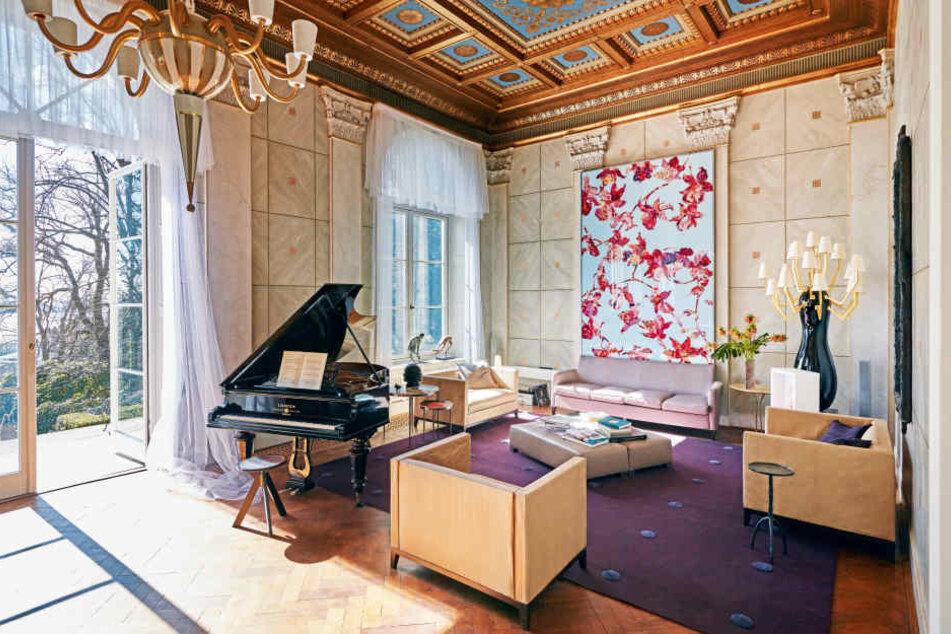 Das Wohnzimmer umfasst gut 80 Quadratmeter.