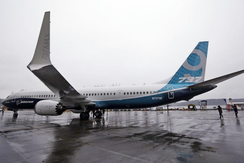 Ein Pilot einer solchen Boing 737 wurde geblendet.
