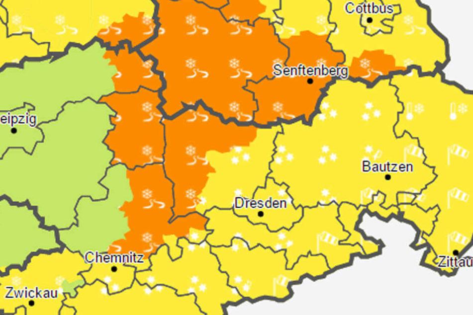 Der Deutsche Wetterdienst warnt vor Glätte durch verbreitet überfrierende Nässe.