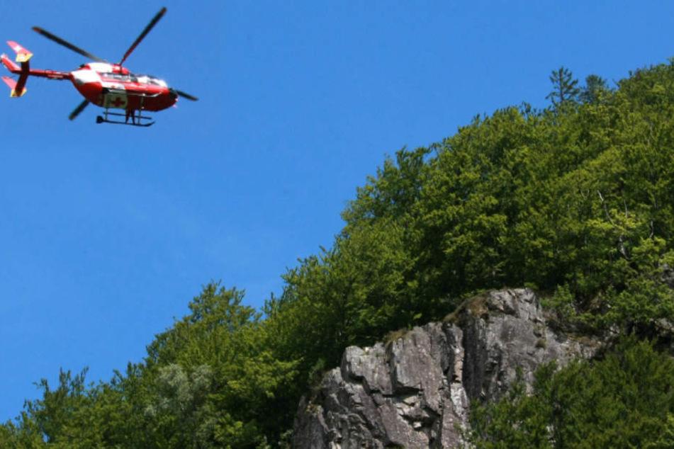 Die Rettungs- und Bergungsmaßnahmen waren äußerst schwierig. (Symbolbild)