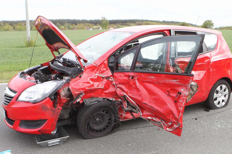 In Bayern ist es auf der Staatsstraße 2246 zu einem schweren Unfall gekommen.
