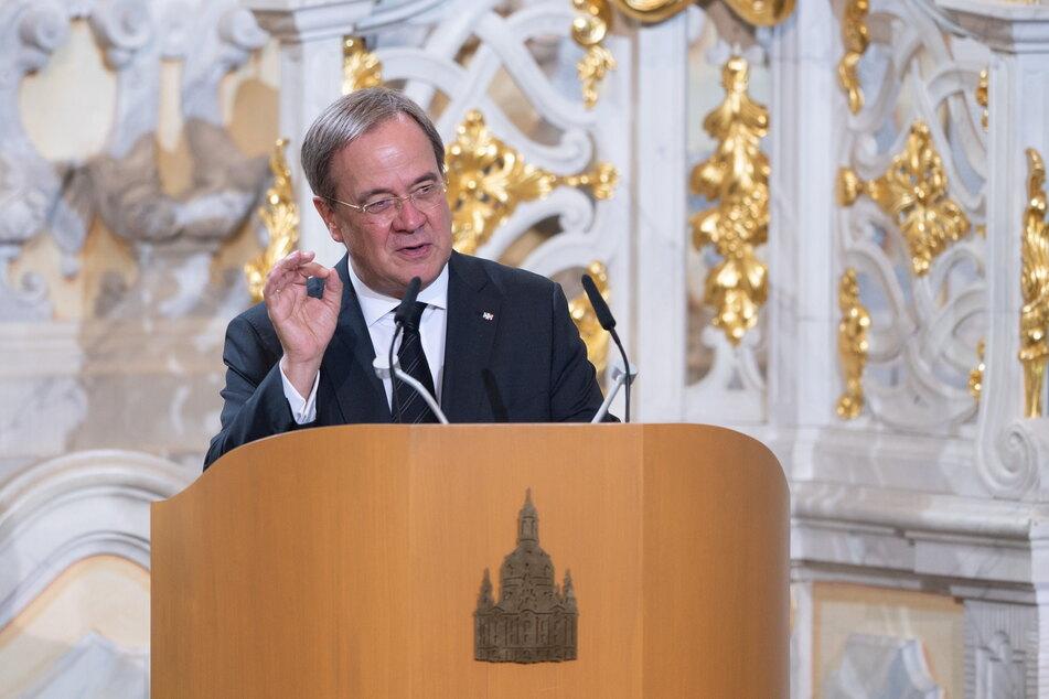 CDU-Chef Armin Laschet (60) sprach in höchsten Tönen von einstigen Parteikollegen.