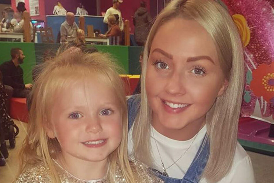 Charlotte Morgans mit ihrer Tochter.