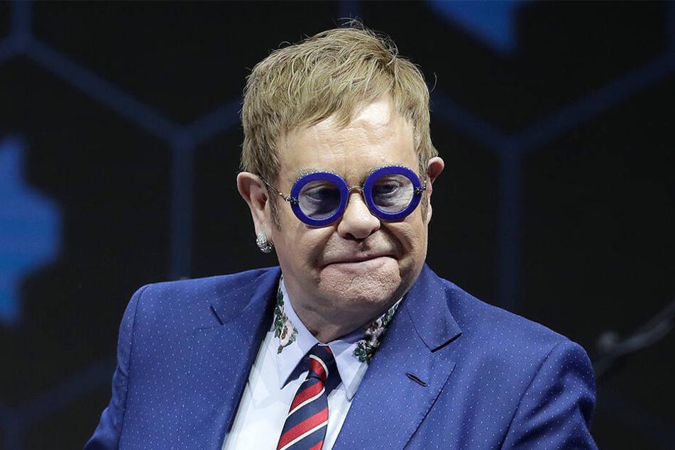 Lässt sich trotz Verletzung nicht unterkriegen: Pop-Star Elton John (72)