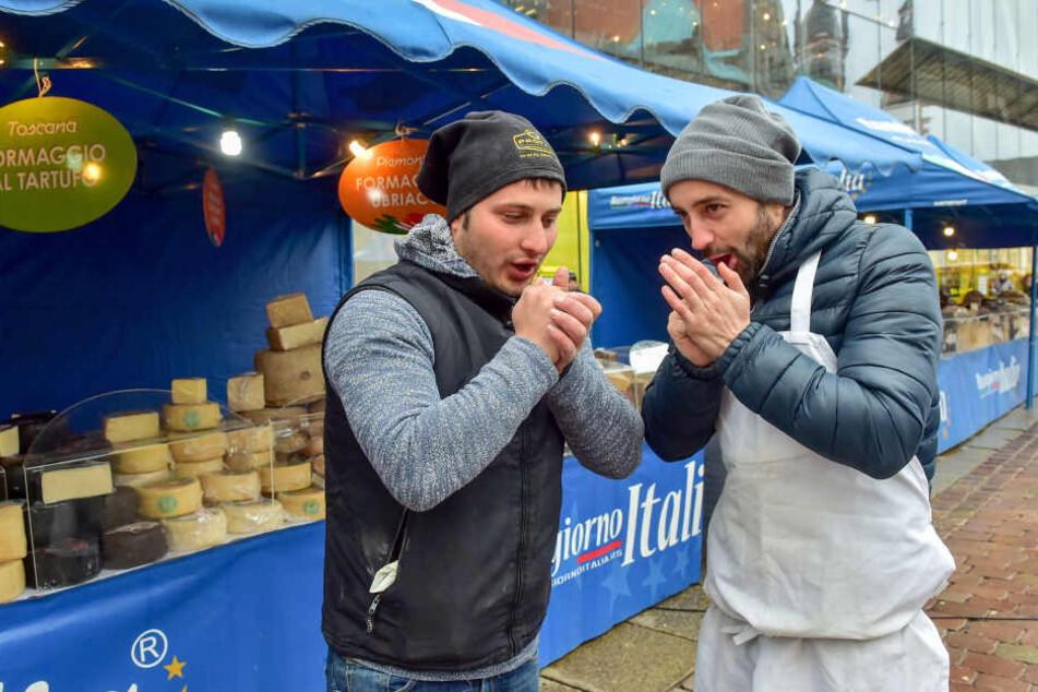"""""""Chemnitz ist ja kälter als die Alpen!"""" Die italienischen Markthändler freuen sich, nach Italien zurückzukehren."""