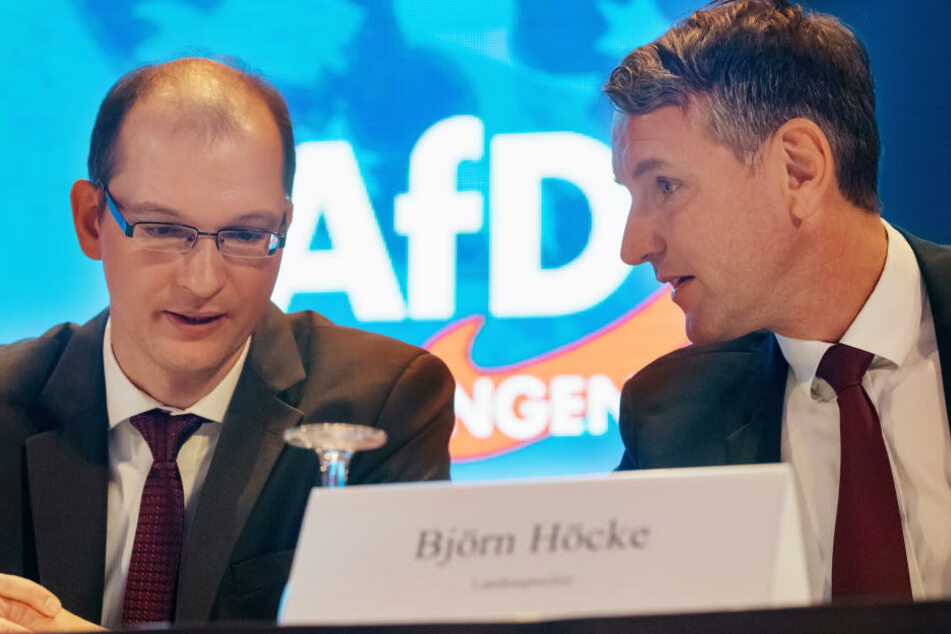 Björn Höcke mit seinem Stellvertreter Stefan Möller auf dem Parteitag der AfD in Arnstadt.
