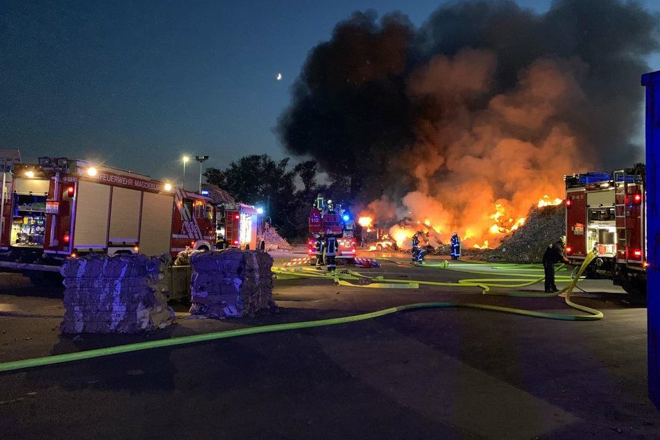 Der Brand wurde von allen Seiten gelöscht.