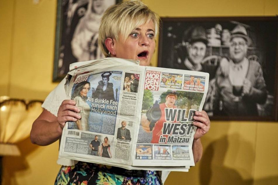 Wild-West in Malzau! Schwester Gloria (Gabi Köckritz) erfährt die  Schreckensnachricht aus der Malzauer MOPO.