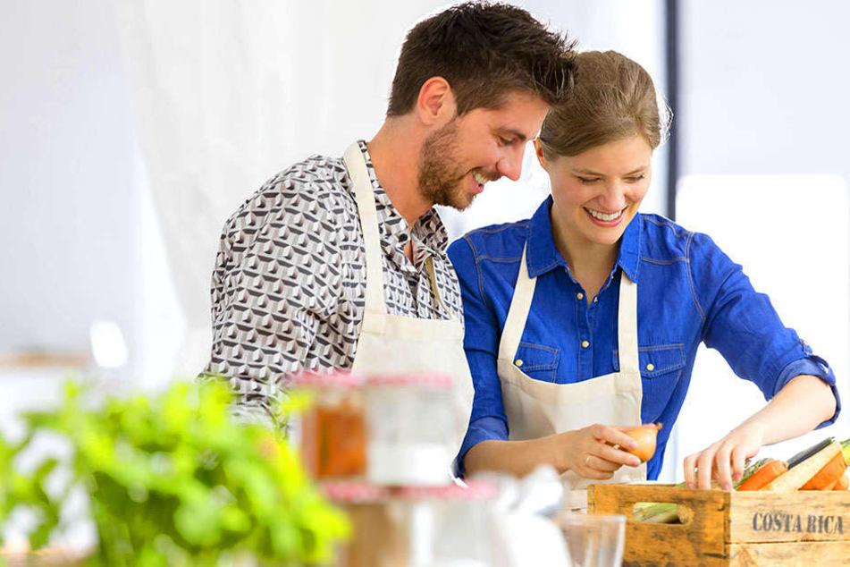 So oder so ähnlich könnte es am Tag des Events aussehen: In Zweier-Teams kocht man zu Hause für Fremde, um woanders ebenfalls bekocht zu werden.