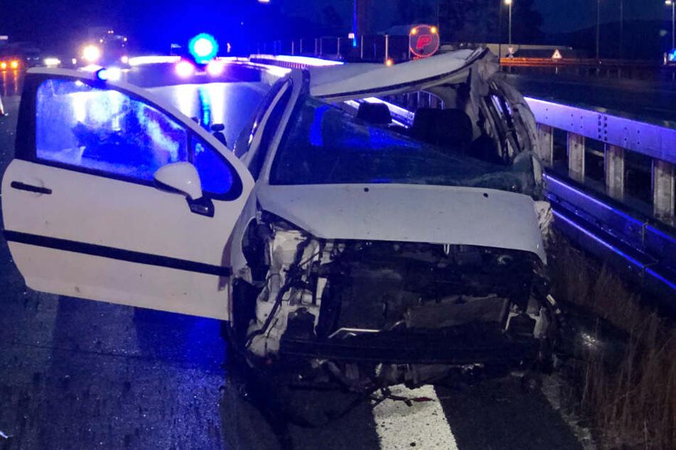 Auf der Autobahn 9 bei Greding ist es zu einem schweren Verkehrsunfall gekommen.