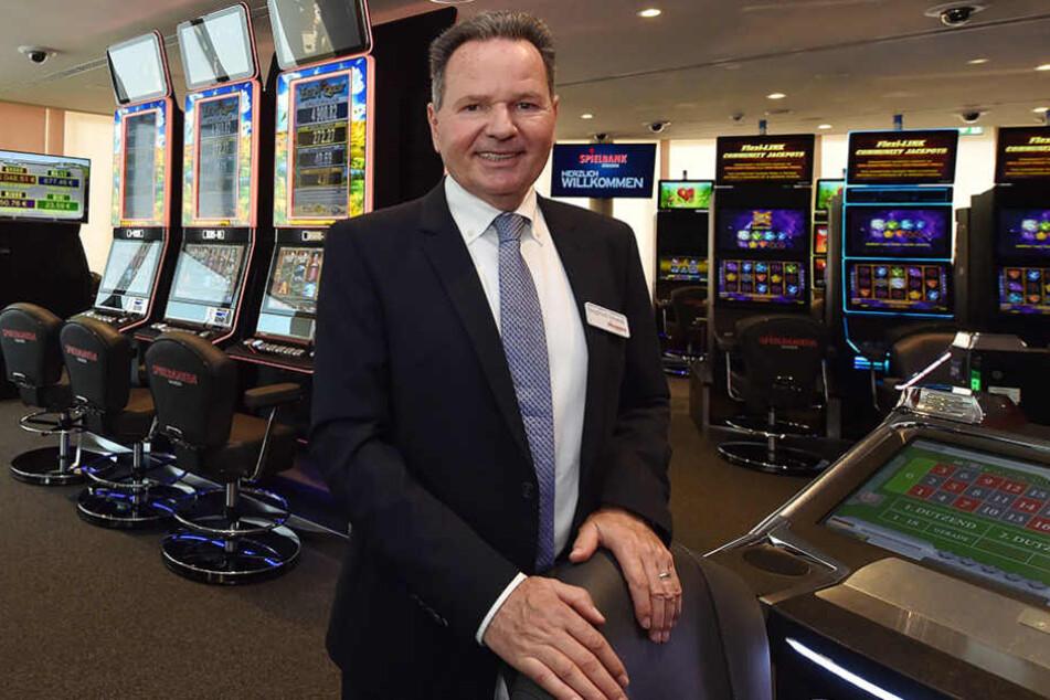 Spielbanken-Chef Siegfried Schenek (59) musste die Eröffnung des Casinos unfreiwillig verschieben.