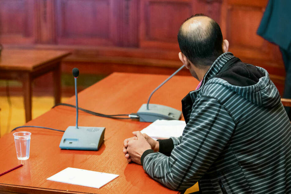 Muss lebenslang hinter Gitter: Fernfahrer Boujemaa L. (42) wurde am Mittwoch wegen Mordes an der Leipziger Tramperin Sophia (28) verurteilt.