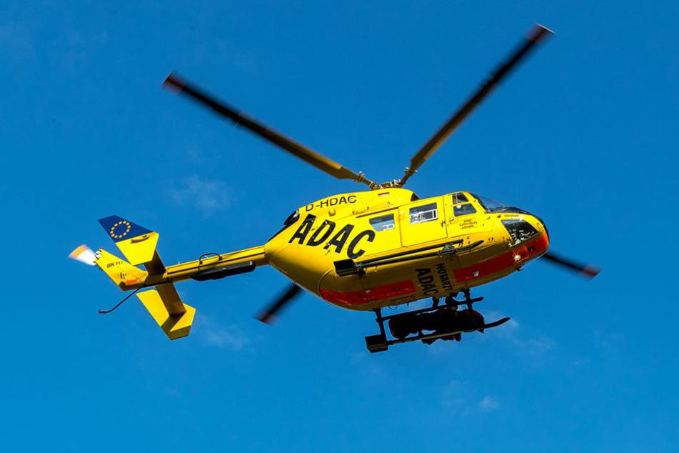 Am Sonntagnachmittag musste eine schwer verletzte Autofahrerin mit einem Rettungshubschrauber abtransportiert werden.