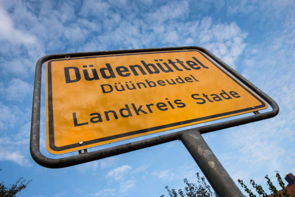 Jetzt ist's amtlich! Plattdeutsche Ortsschilder kommen zurück