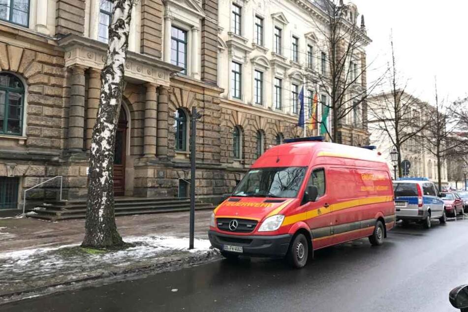 Am Justizministerium ist am Donnerstagmorgen ein Briefumschlag mit weißem Pulver eingegangen.