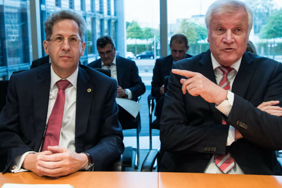 Hans-Georg Maaßen und Horst Seehofer bei der Sondersitzung des Innenausschusses.