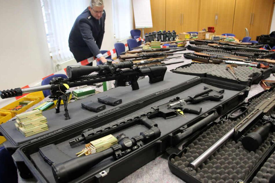 Gefährliche Reichsbürger in NRW: So viele haben noch Erlaubnis für Waffen