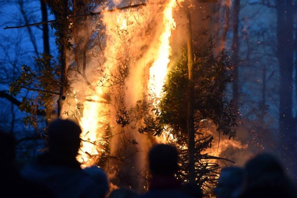 Unangemeldete Feuer haben Konsequenzen. (Symbolbild)