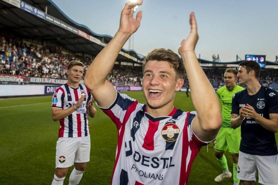 Mats Köhlert freut sich über den Sieg seiner Mannschaft. (Archivbild)