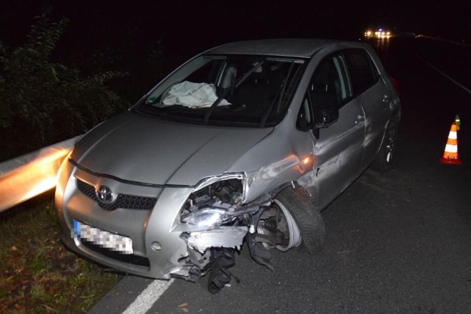 Die Achse des silbernen Toyotas brach bei dem Unfall.