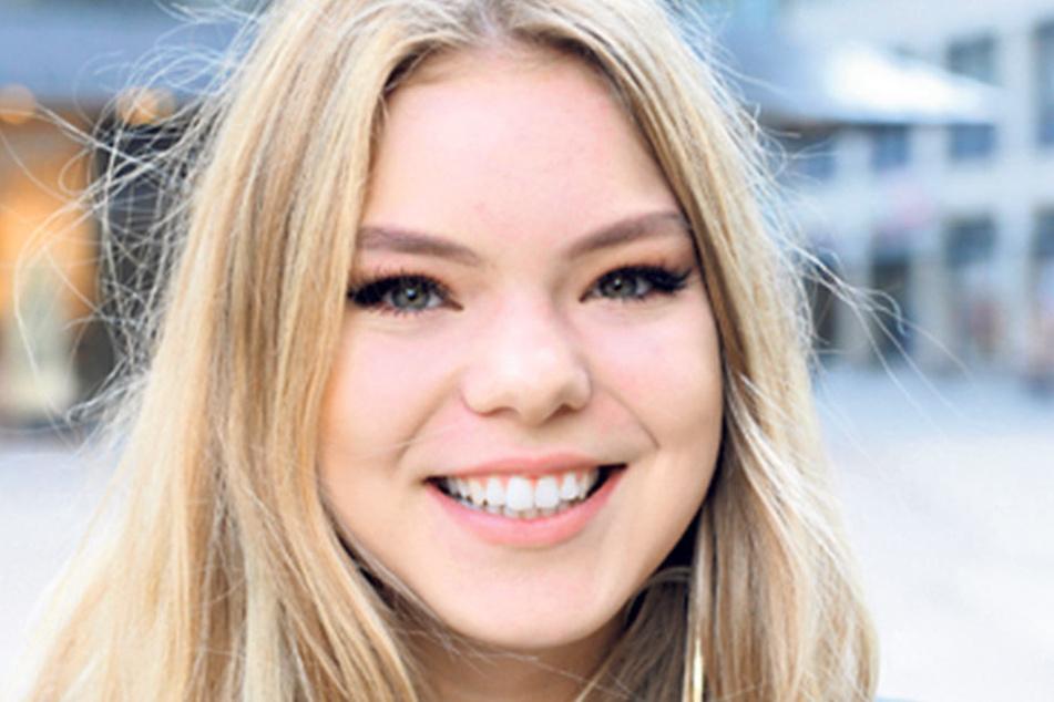 """Katharina Zweiniger (18), Schülerin aus Chemnitz, darf zum ersten Mal wählen und weiß auch schon wen: """"Meine Stimme kriegen die Grünen und die V-Partei. Ich bin selber Vegetarierin und finde Tierschutz sehr wichtig."""""""