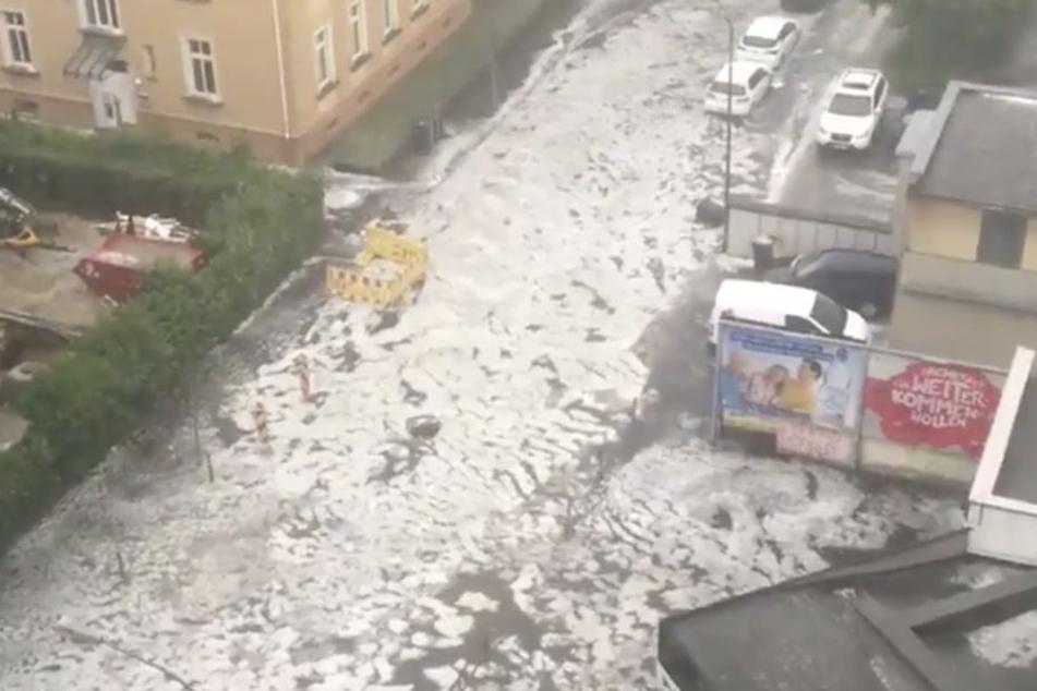 In Gießen lief das Wasser über die Straßen.