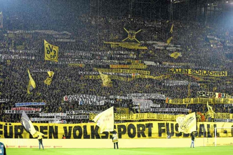 Die Südtribüne in Dortmund soll für ein Bundesligaspiel gesperrt werden.