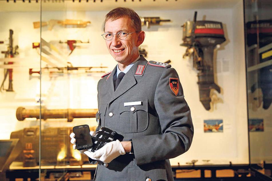 Der Chef des Militärhistorischen Museums, Matthias Rogg (54), ist nicht nur Oberst der Bundeswehr, sondern lehrt auch als Professor in Hamburg.