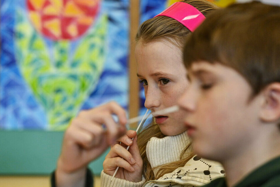 Chemnitz: Schul-Auftakt in Chemnitz: Unterrichtsstart nicht ohne Corona-Test