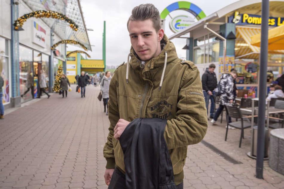 Die Jogginghose, die ihm seine Mutter geschenkt hat, war Niclas Lang (20) zu groß.