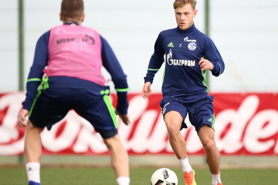 Max Meyer (r.) gewann mitder DFB-Auswahl Olympia-Silber. Sein Vertrag auf Schalke läuft im Sommeraus, Meyer wird von einigen Vereinen umworben.