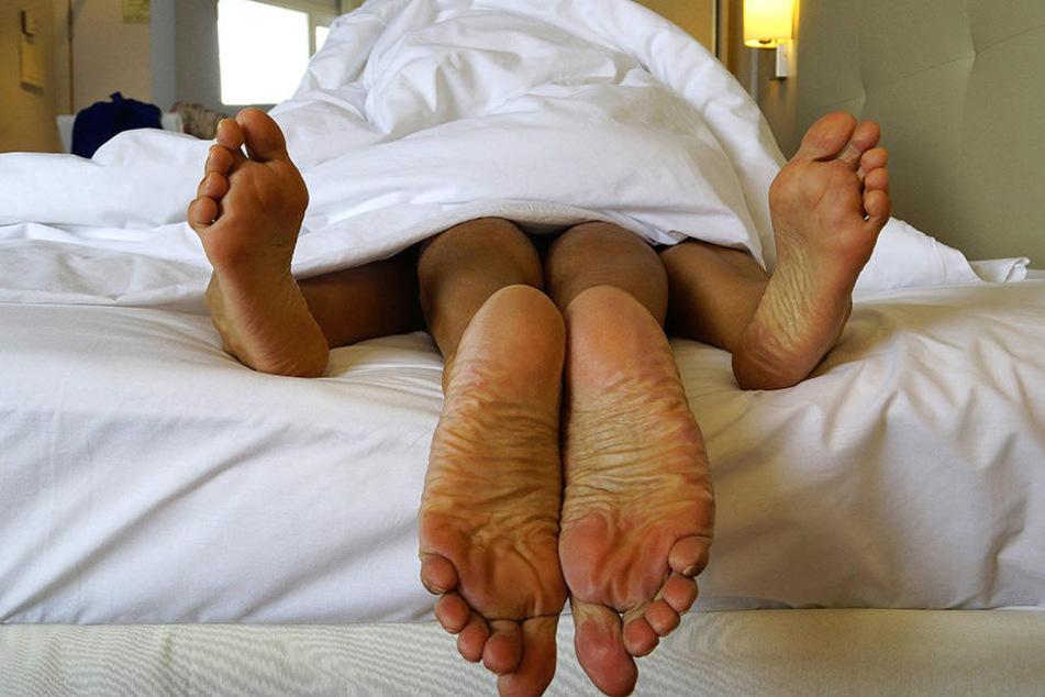 Ein Paar aus Vietnam hat beim Sex mit einer Plastiktüte verhüten wollen. Das hatte schlimme Folgen.