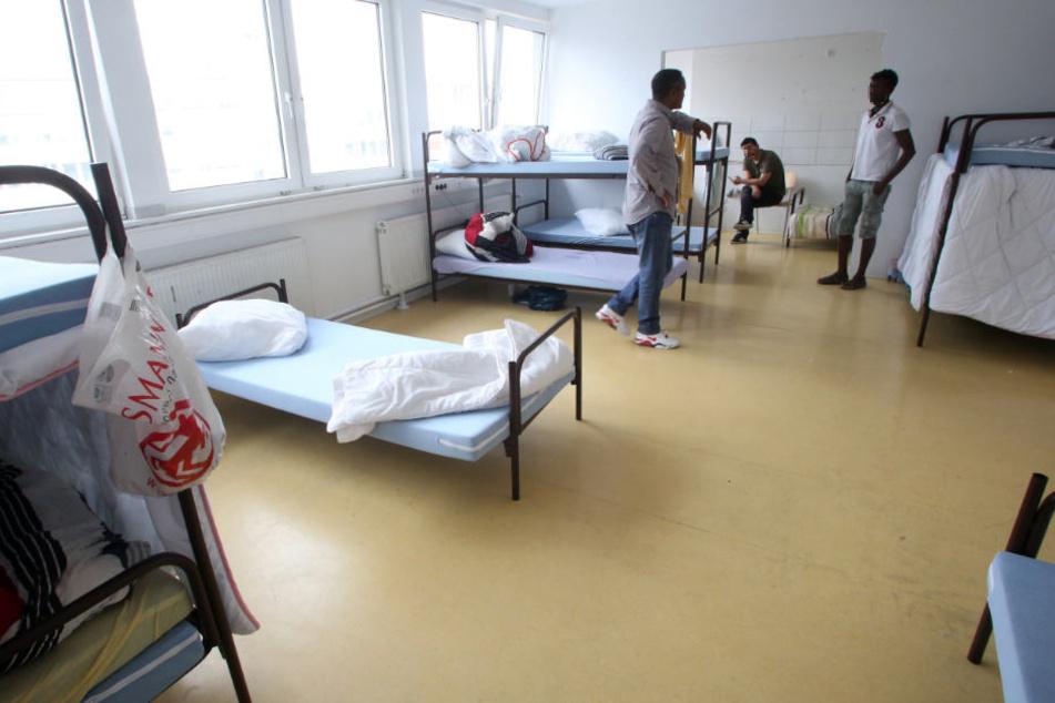 Die Polizei führt die steigende Anzahl an Diebstählen auf die Bewohner der Asylbewerberunterkunft in Oerlinghausen. (Symbolbild)