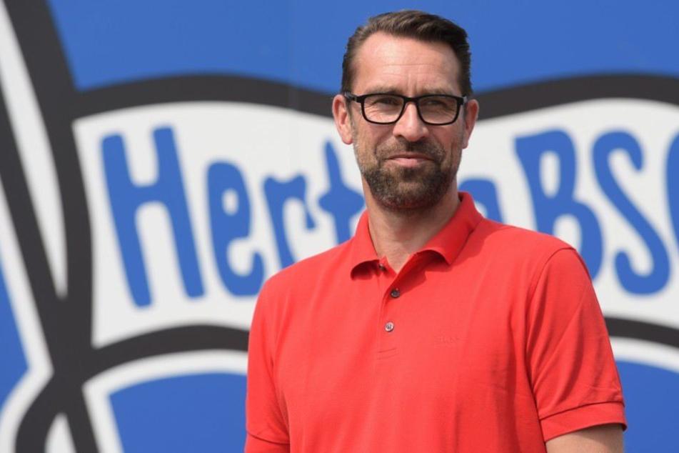 Hertha-Boss Michael Preetz (51) setzt mit seiner Mannschaft ein klares Zeichen gegen Rassismus und fordert dies auch von anderen. (Bildmontage)