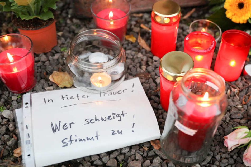 Halle in tiefer Trauer: Bei einem rechtsextremen Terror-Angriff wurden zwei Menschen getötet.