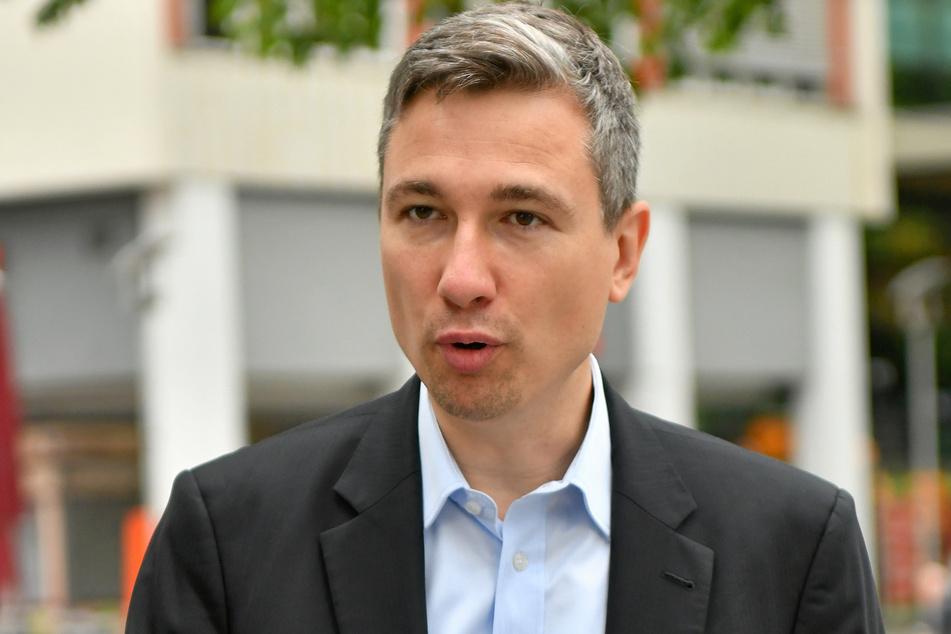 Baubürgermeister Stephan Kühn (42, Grüne) sagt, der Investor müsse liefern.