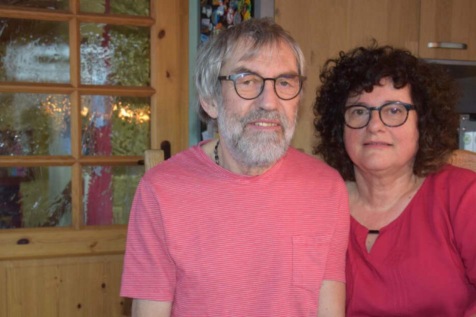 Eberhard und Renate Lieb in ihrem Haus.