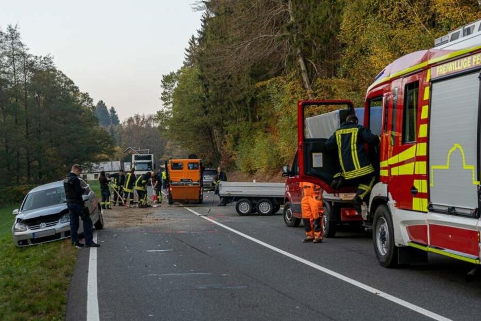 Auf der B94 in Lengenfeld hat es am Mittwoch einen schweren Unfall gegeben.