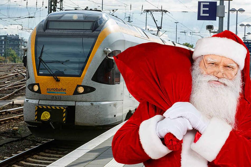 Mit Sack und Pack fährt der Nikolaus am Nikolaustag von Altenbeken nach Paderborn und zurück.