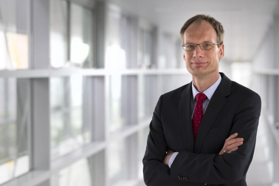 Opel-Chef Michael Lohscheller gab die Produktion im spanischen Werk offiziell bekannt.
