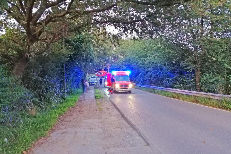 Die Radlerin (71) wurde mit lebensgefährlichen Verletzungen in eine Spezialklinik gebracht.