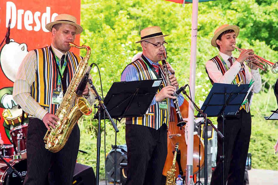 """Reisten aus Russland zum Festival an: Die Band """"Uralskiy Dixieland""""."""