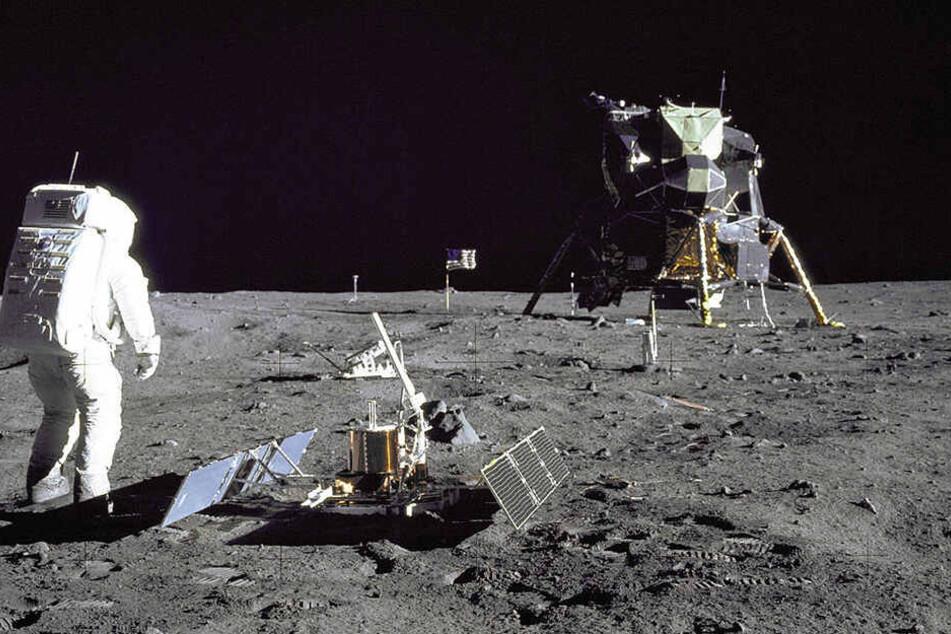 21.07.1969: Der US-Astronaut Buzz Aldrin steht auf der Mondoberfläche. Nach der Mission blieb diverser Müll auf dem Planeten zurück.