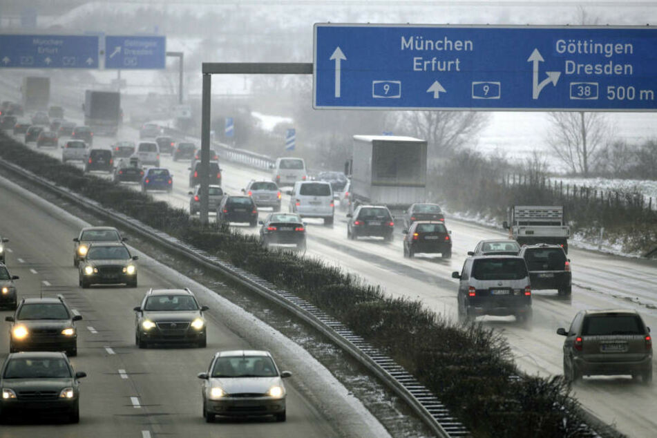 Schnee sorgt für Chaos auf Thüringer Autobahnen